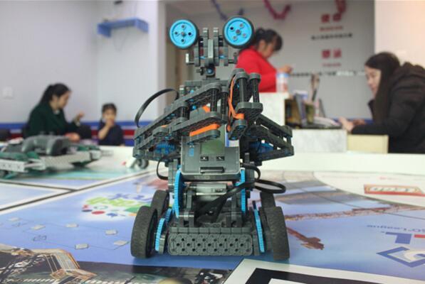 加盟机器人教育多少钱?