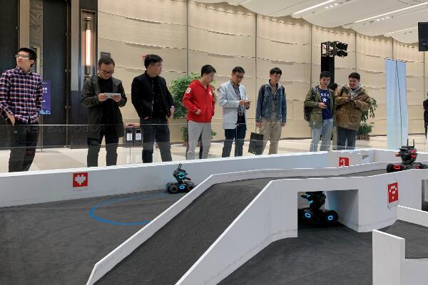 2019网易未来大会,大疆机甲大师S1 展示未来教育基本素质